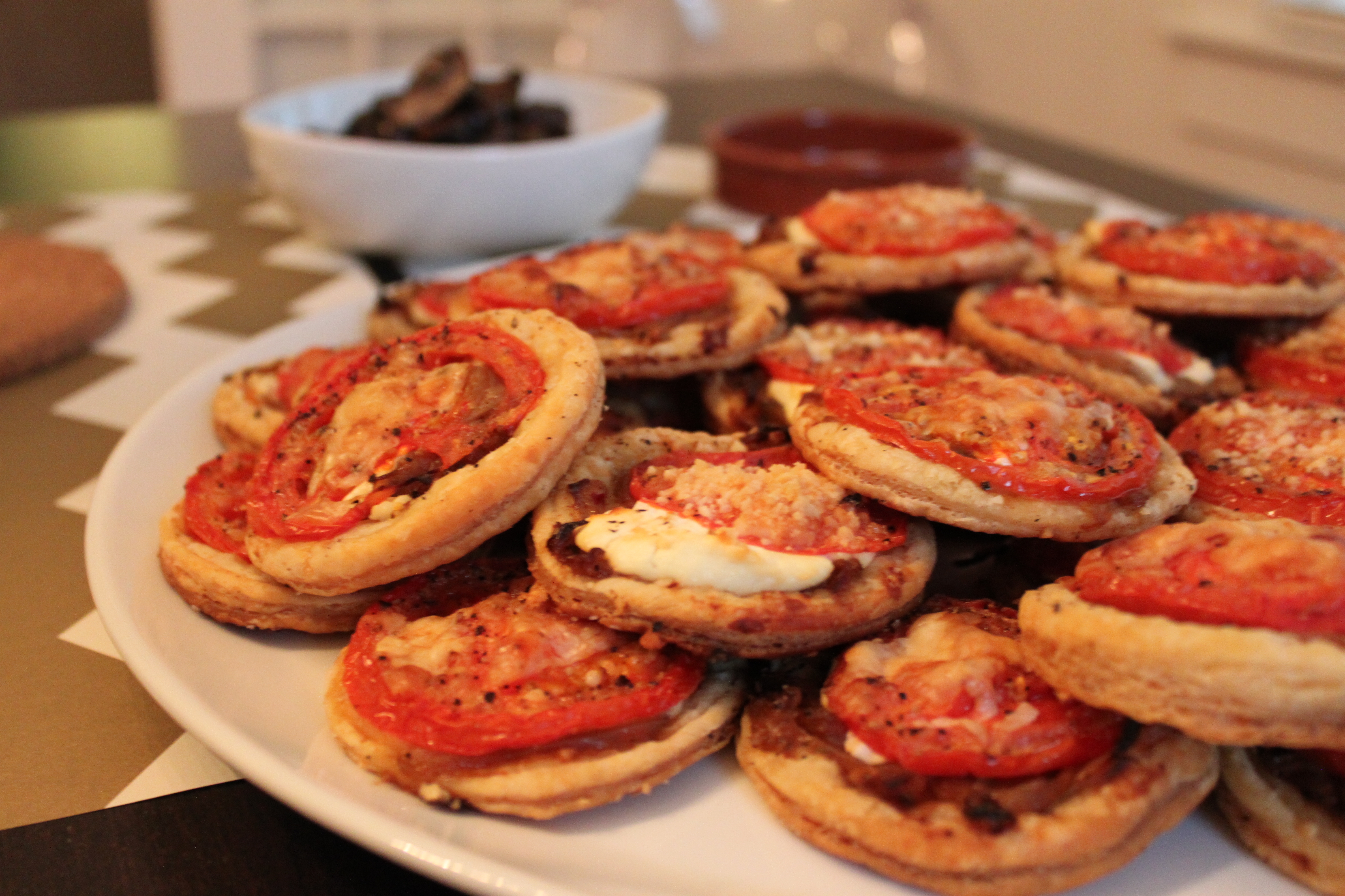 Tomato goat cheese tarts mod meals on mendenhall img1623 with several vegetarians coming to our spanish tapas forumfinder Gallery